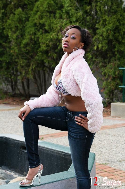 Female model photo shoot of Melaniece Dowdell in Pontiac, MI