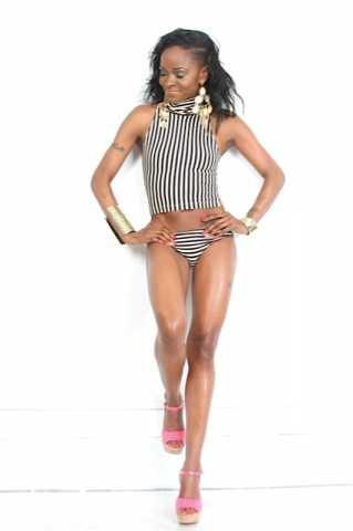 Female model photo shoot of Carla larry