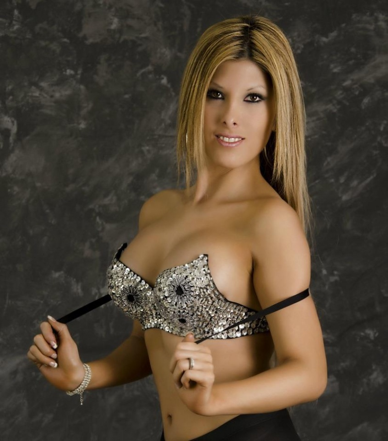 Female model photo shoot of AnaNovia