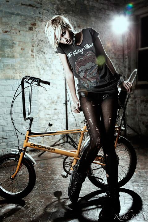 Female model photo shoot of KatieNattrass in London
