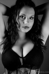 http://photos.modelmayhem.com/photos/120518/08/4fb66fef2d0f2_m.jpg