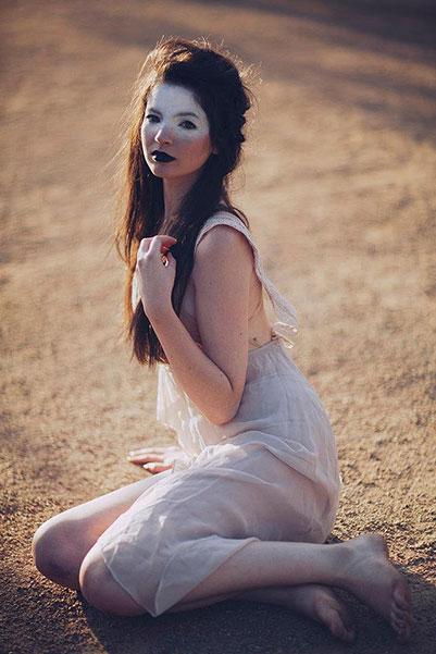 Female model photo shoot of Everitt