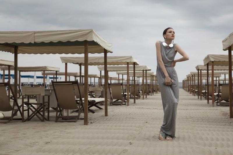 Female model photo shoot of Silvia Syl in Marina di Pietrasanta