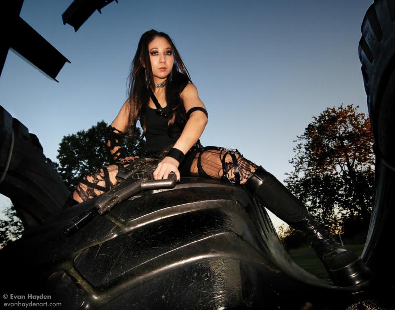 Female model photo shoot of W O R A D A_B E A U by evanhayden in Toledo, OH