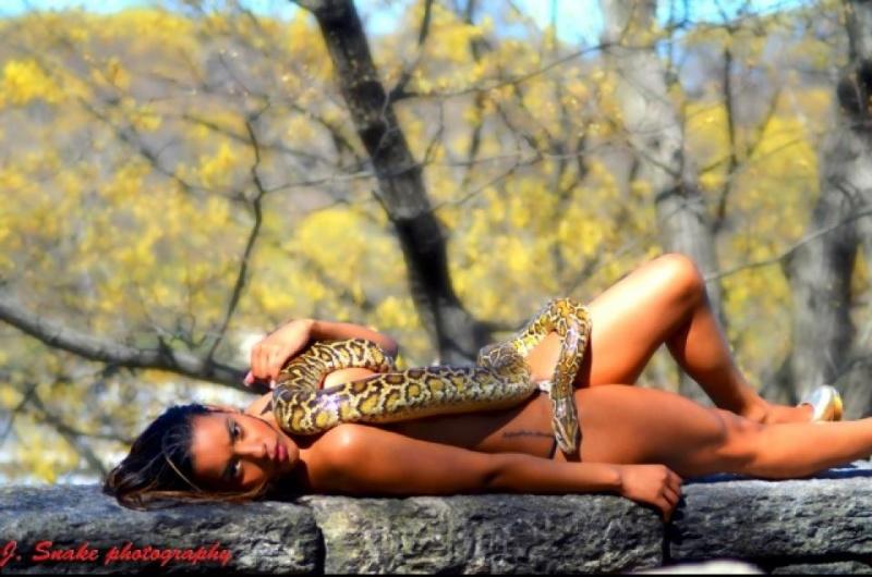 Female model photo shoot of Suleyka DeJesus