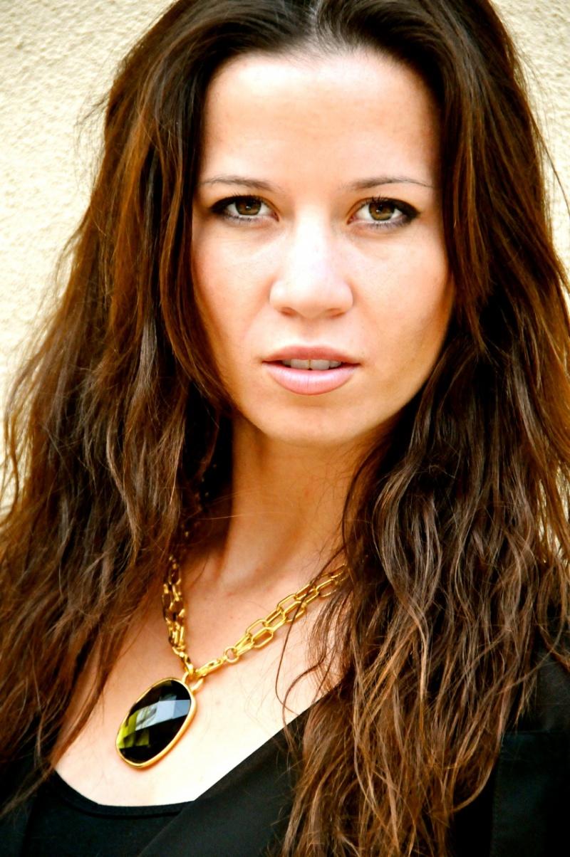 Female model photo shoot of Kels0