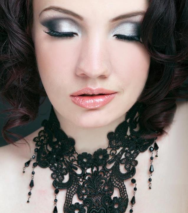 http://photos.modelmayhem.com/photos/120527/13/4fc28b5fb4221.jpg