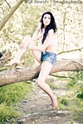 http://photos.modelmayhem.com/photos/120530/05/4fc612c887151_m.jpg