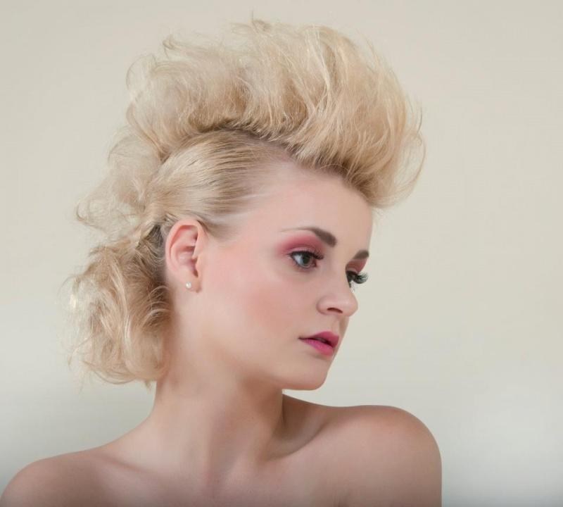 Female model photo shoot of shira wall