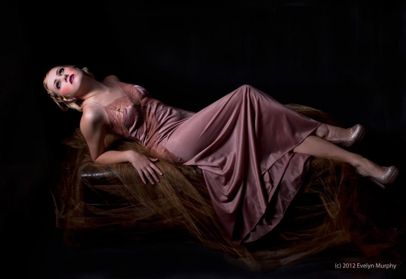 Female model photo shoot of Tiinia Auler MUAH in Carrollton, TX