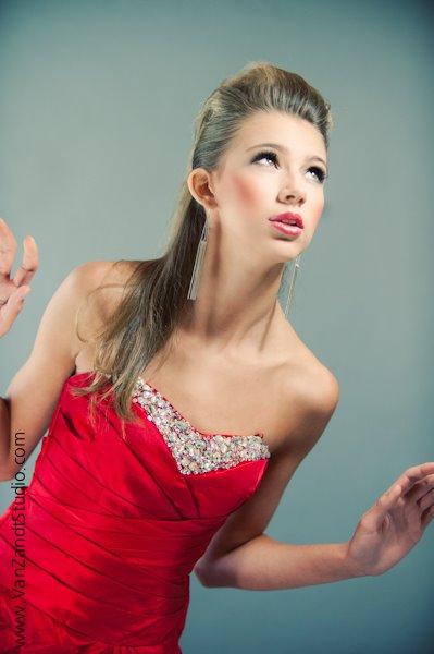 Female model photo shoot of Tiinia Auler MUAH in Mansfield, TX
