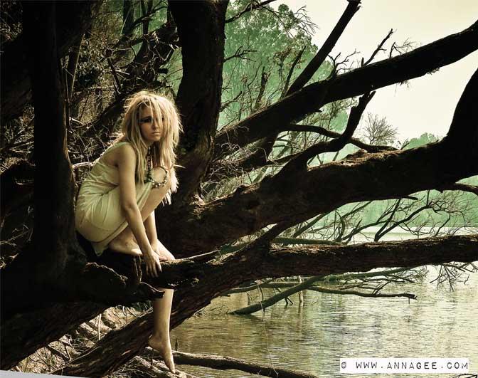 Female model photo shoot of AnnA gEE fOtOs