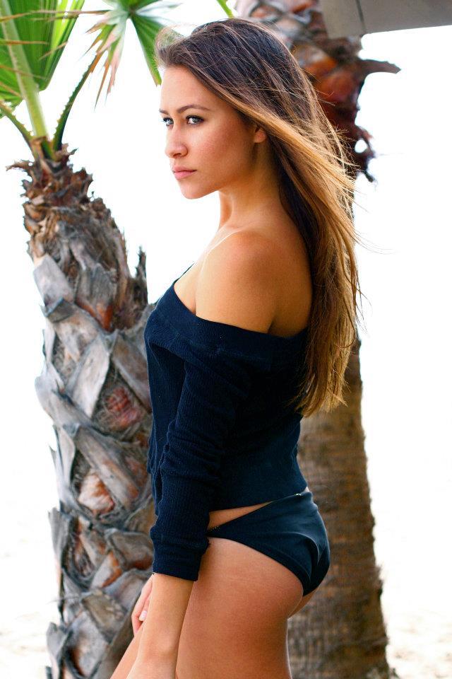 Female model photo shoot of Dani Walker