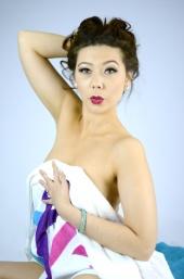 http://photos.modelmayhem.com/photos/120609/20/4fd40fccdc4e0_m.jpg