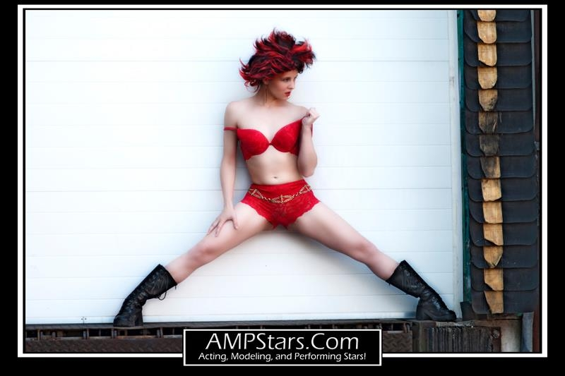 http://photos.modelmayhem.com/photos/120612/15/4fd7c81e8b55c.jpg
