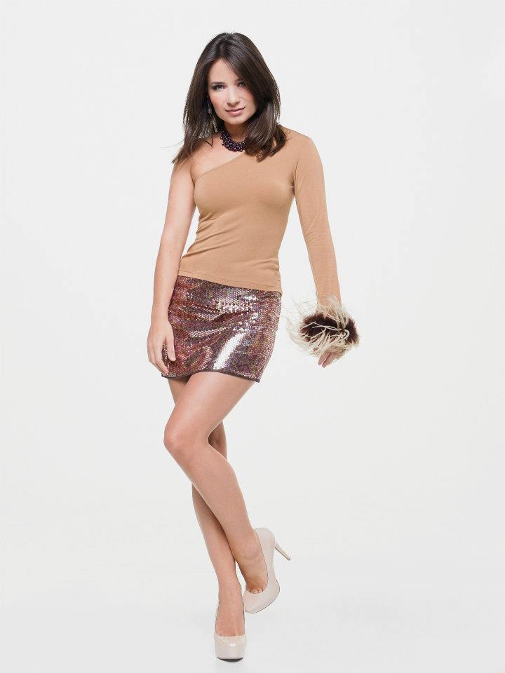 Female model photo shoot of Yulia Gulia