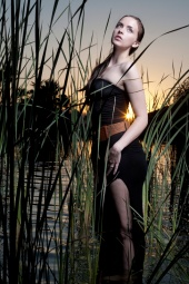 http://photos.modelmayhem.com/photos/120617/13/4fde42623e501_m.jpg