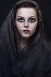 https://photos.modelmayhem.com/photos/120619/04/4fe0697bcd8ed_m.jpg