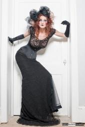 http://photos.modelmayhem.com/photos/120619/12/4fe0cce7009fe_m.jpg