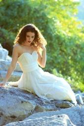 http://photos.modelmayhem.com/photos/120622/22/4fe55981e2f07_m.jpg