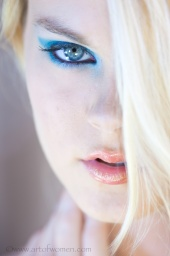 https://photos.modelmayhem.com/photos/120625/03/4fe83a409a55b_m.jpg