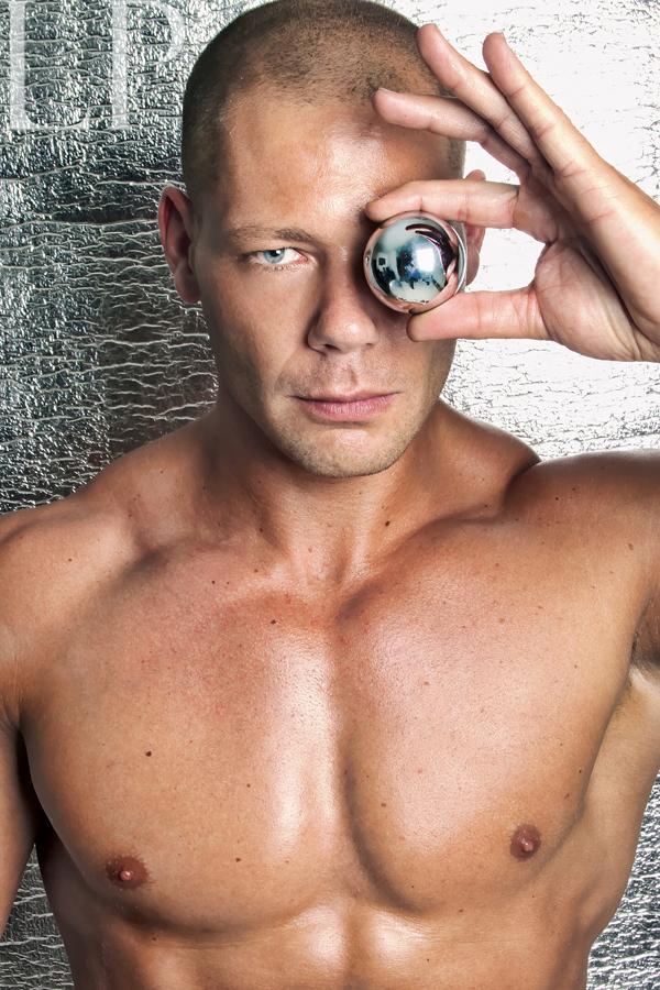 Male model photo shoot of lexxx