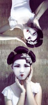 http://photos.modelmayhem.com/photos/120628/08/4fec7b1f30c86_m.jpg