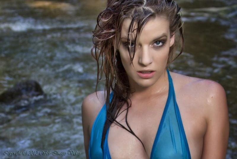 Female model photo shoot of kbby