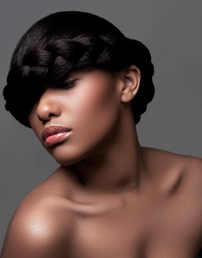 Female model photo shoot of dominique nicole