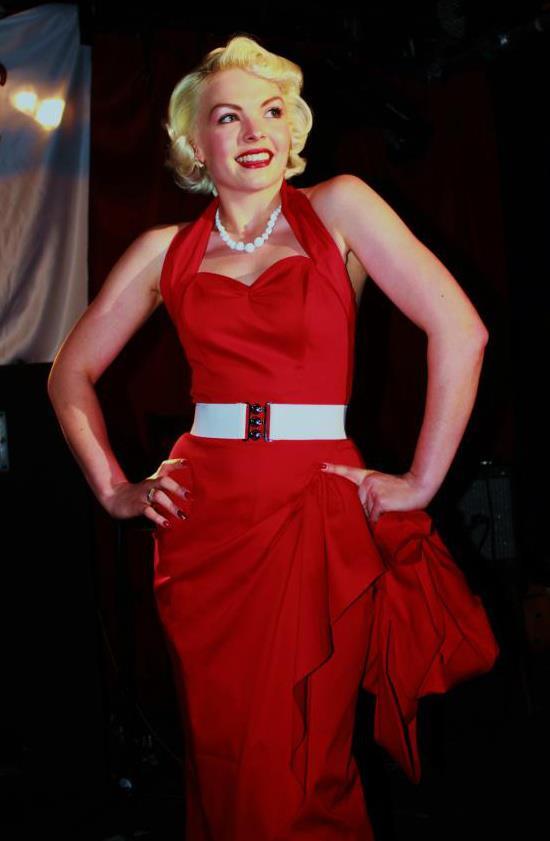Jun 30, 2012 Lauren Wells Modelling for Vivien of Holloway