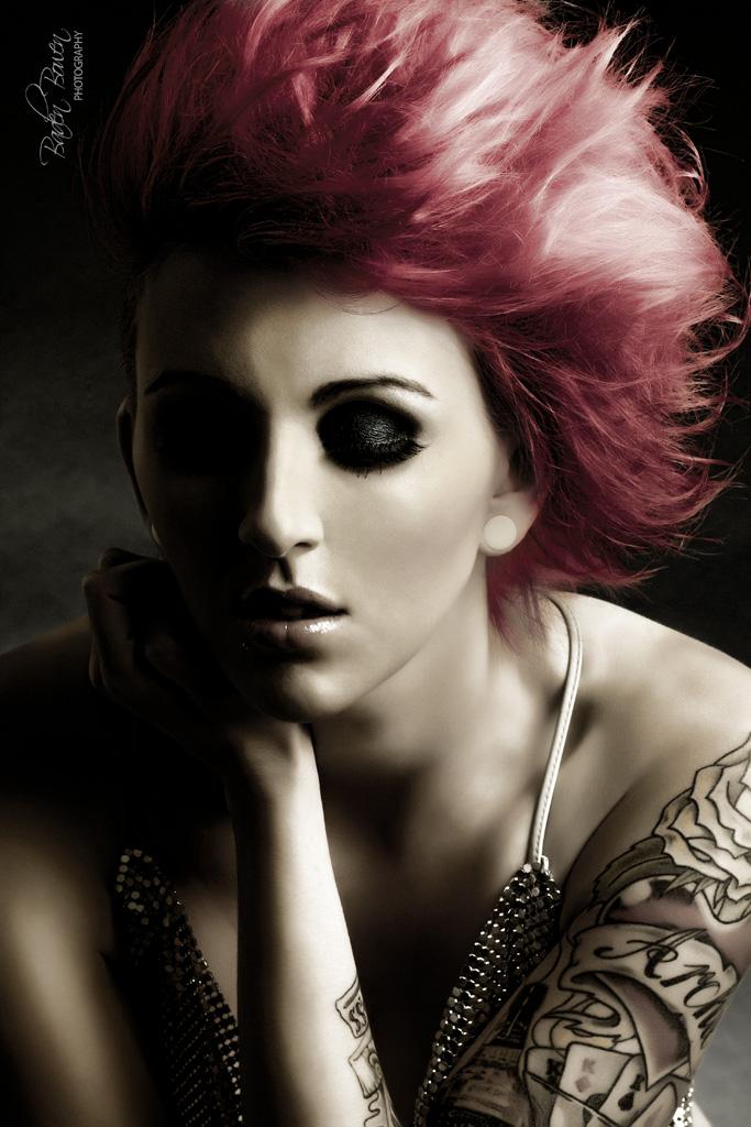 http://photos.modelmayhem.com/photos/120701/10/4ff08e3c91c5c.jpg