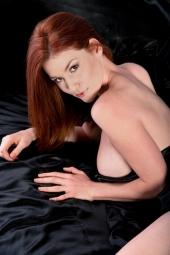 http://photos.modelmayhem.com/photos/120703/12/4ff348fa8b336_m.jpg