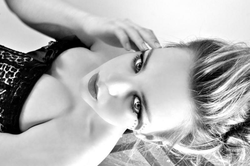 http://photos.modelmayhem.com/photos/120706/07/4ff6f528d719d.jpg