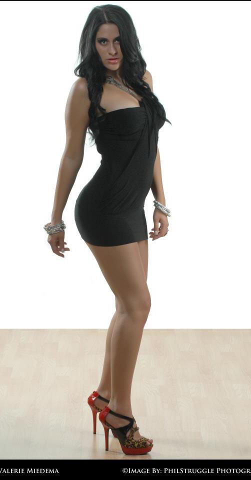 Female model photo shoot of valerie3