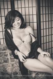 http://photos.modelmayhem.com/photos/120713/21/5000fb2b29a31_m.jpg