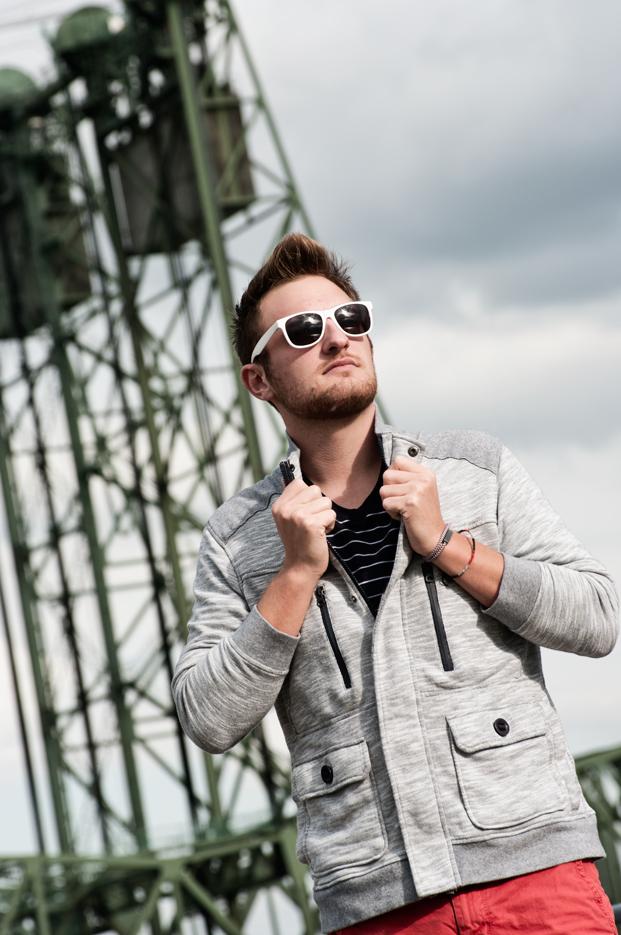 Male model photo shoot of Ian Pearson