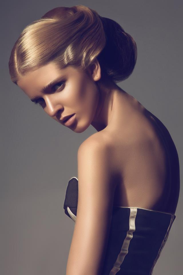 Female model photo shoot of Kasia Fortuna