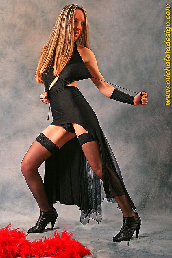 Female model photo shoot of anAngeleye