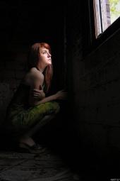 http://photos.modelmayhem.com/photos/120716/13/50047511197ae_m.jpg