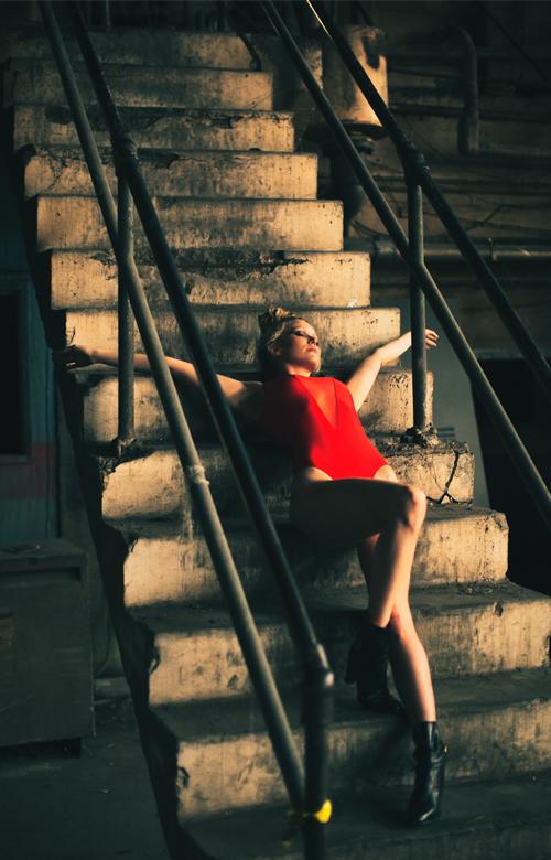 Female model photo shoot of Elizabeth Crompton