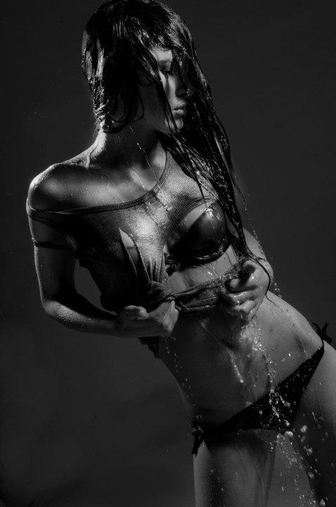 Female model photo shoot of Hillary Kerr