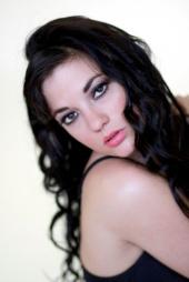 http://photos.modelmayhem.com/photos/120718/20/50077e74b231b_m.jpg