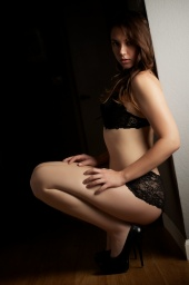http://photos.modelmayhem.com/photos/120723/16/500dd7bba1b71_m.jpg