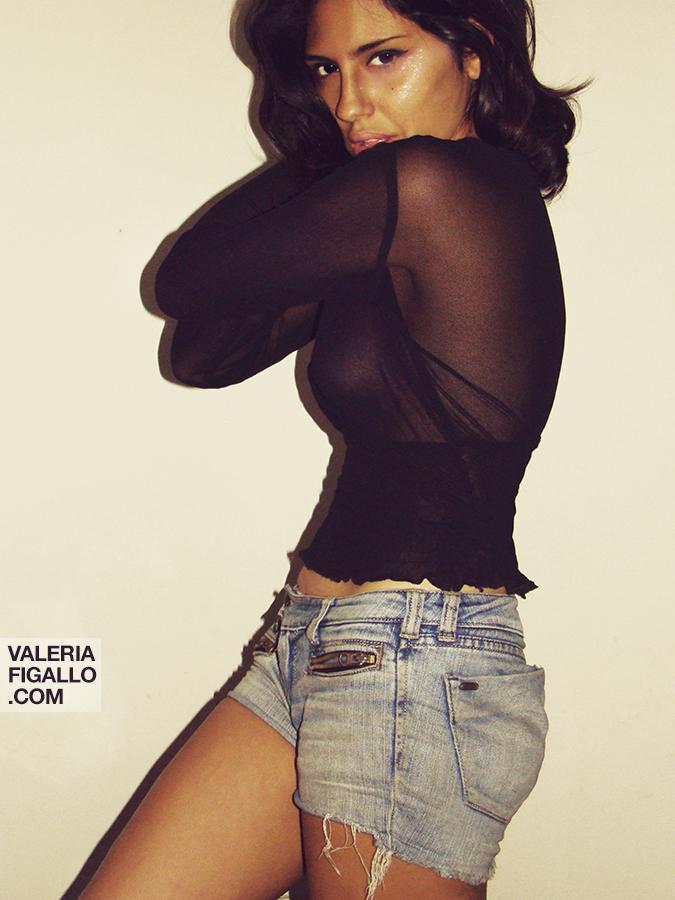 Jul 26, 2012 Valeria Figallo Selfportrait