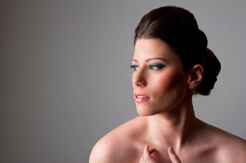 Female model photo shoot of Elle Alise Artistry