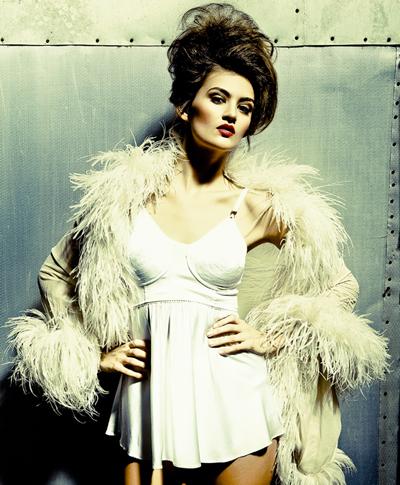 Female model photo shoot of Samantha13 in LosAngeles