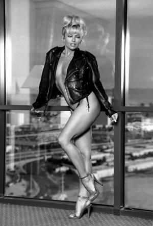 Female model photo shoot of CJ Belle in Vegas