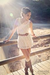 http://photos.modelmayhem.com/photos/120730/16/50171259e9cf3_m.jpg