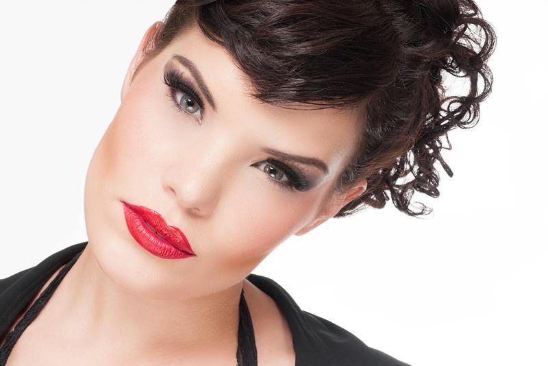 Female model photo shoot of Amber Renate Affeldt