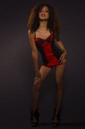 http://photos.modelmayhem.com/photos/120803/20/501c9c1ab5c50_m.jpg